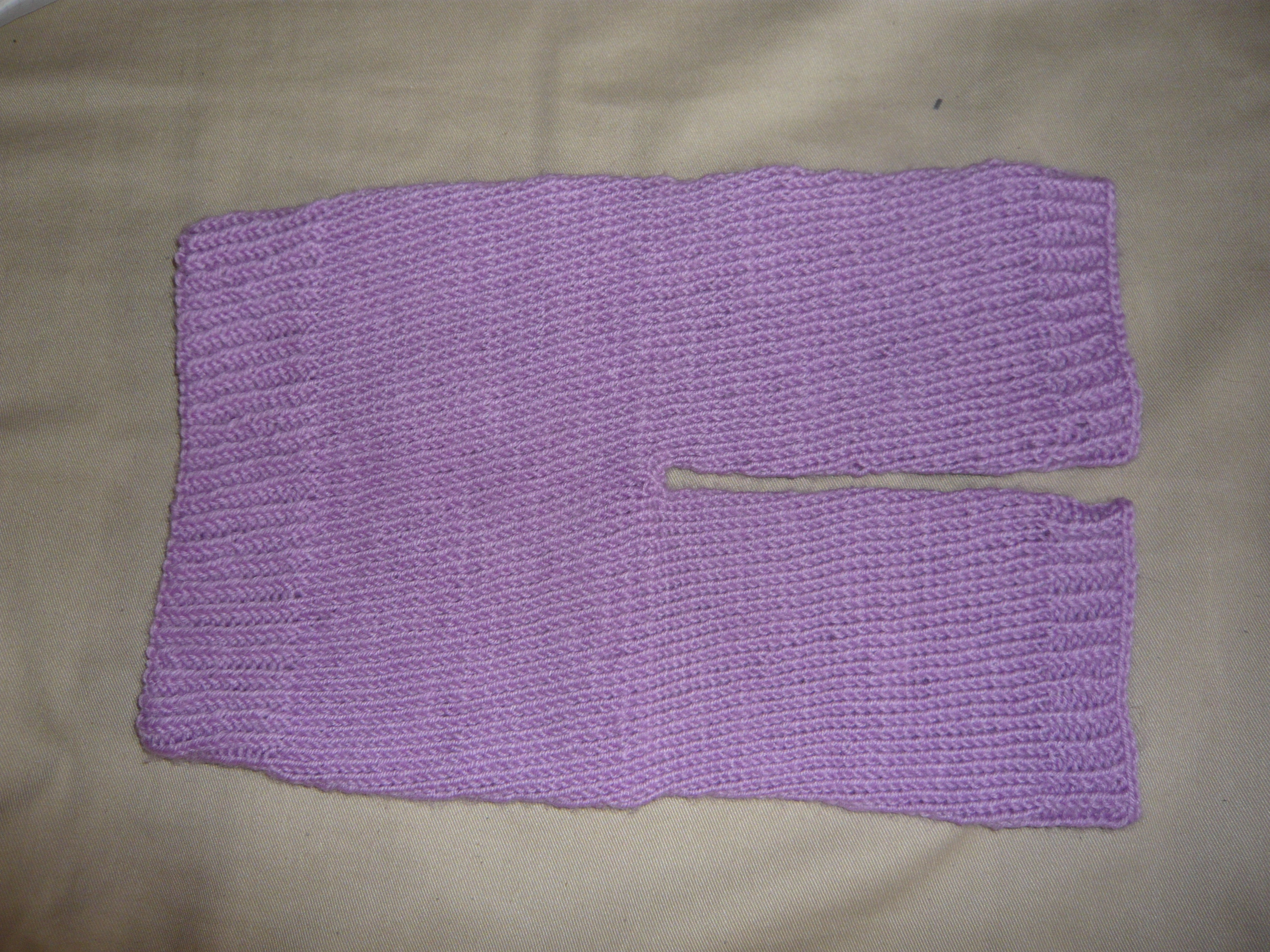 Шерстяные штанишки для новорожденного. А-ля естественное пеленание, ну или просто для тепла. Специальная мягкая детская шерсть. Круговая вязка, без швов