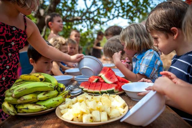 фруктовый завтрак в детскому саду Гоа