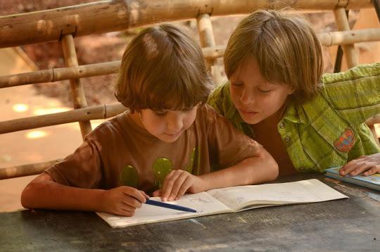 Уроки в Перелетной школе, Арамболь, Гоа