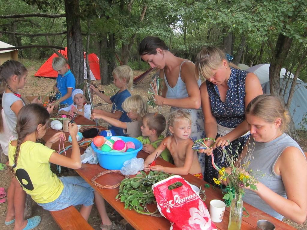Рукоделие в семейном лагере Перелетной школы